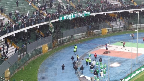 Avellino-Cittadella, faccia a faccia giocatori e tifosi2