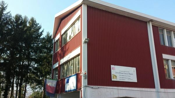Scuola Virgilio Marone - ingresso