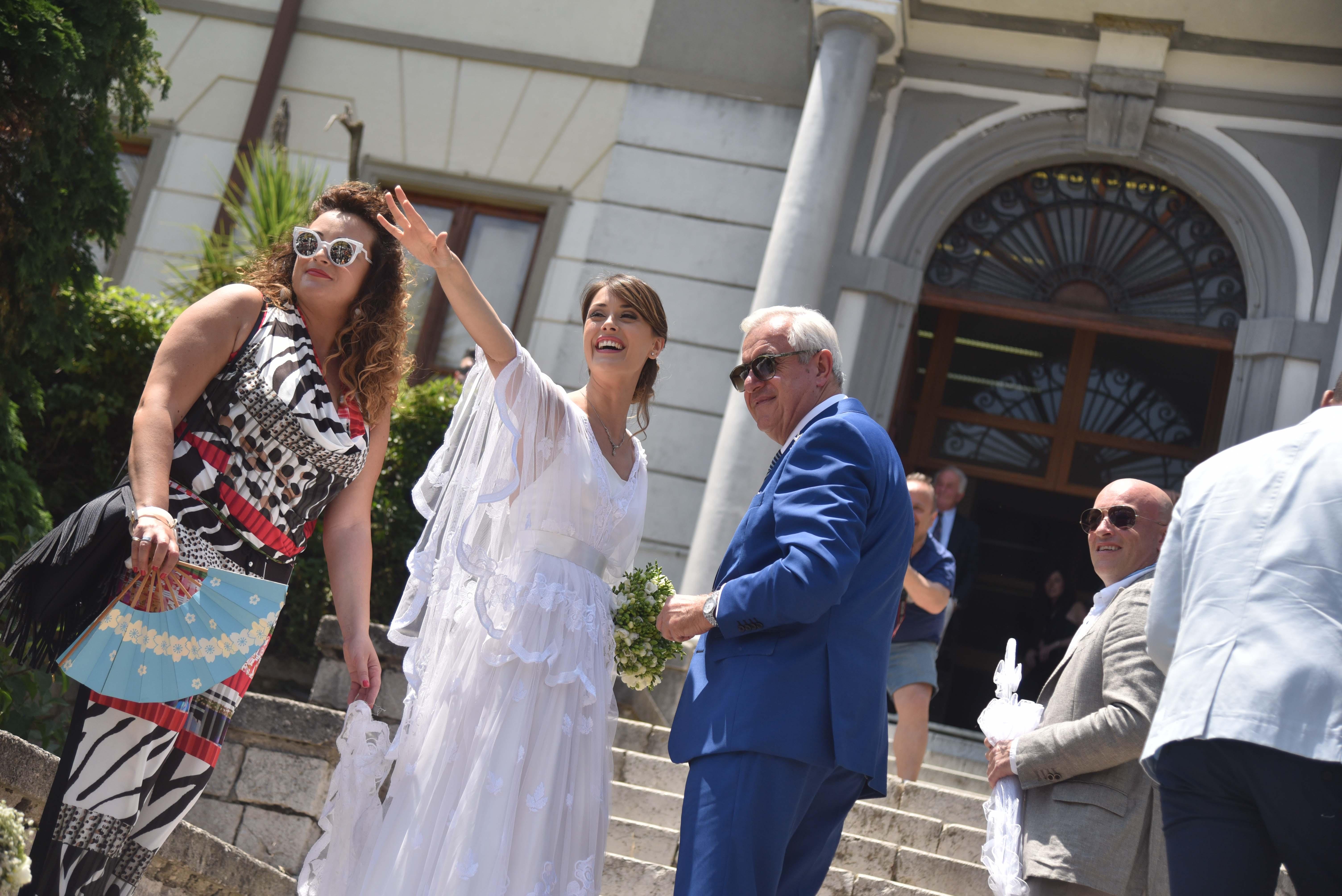 Matrimonio In Comune : Made in sud fatima trotta convola a nozze al comune di